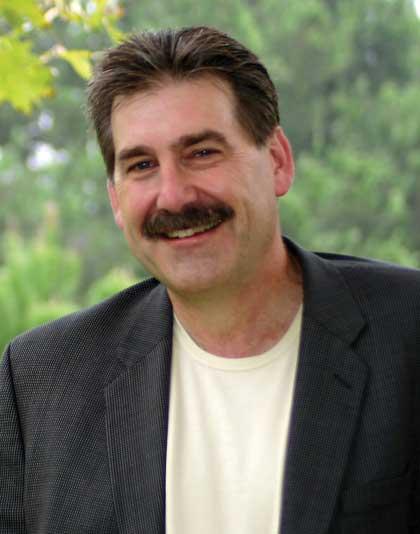 Earl Henslin